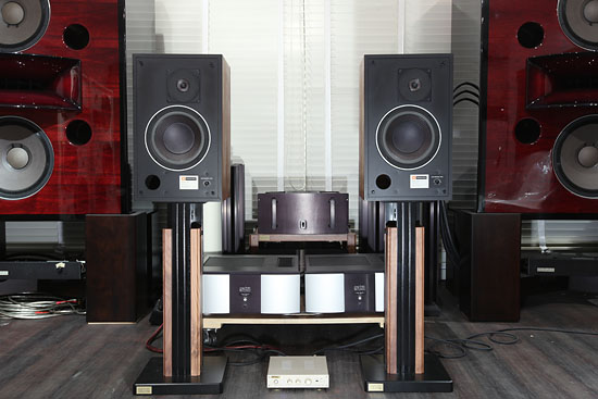 JBL 4301 with stands